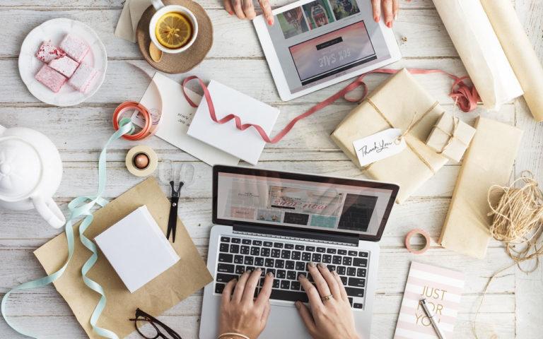 WordPressのループ外でカスタム投稿タイプ名を出力する方法