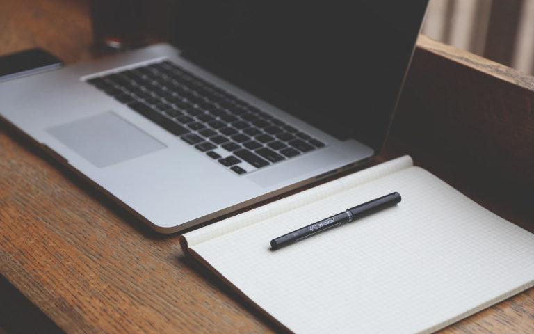 WordPressのループ外で投稿者の表示名を出力する方法